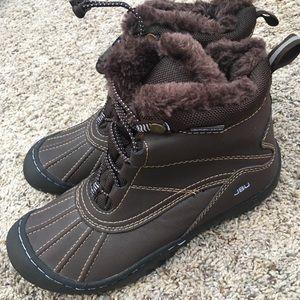 JBU NWT Boots - Size 6